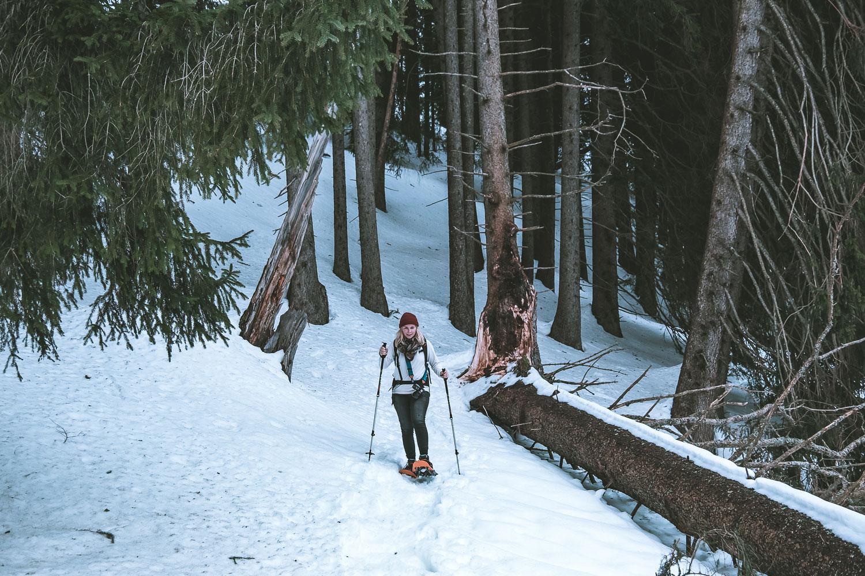 'Step by step....' Karin am Schneeschuhlaufen