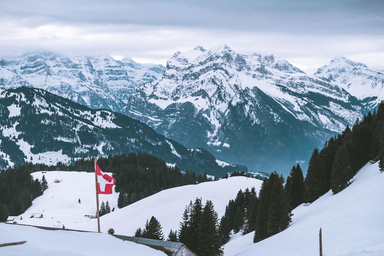 Swiss Feeling mit Blick auf die Glarner Alpen
